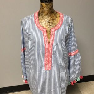 Crown and Ivy tunic top